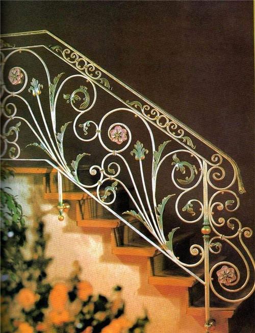 铁艺楼梯装修效果怎么样,常见的楼梯材质有哪些