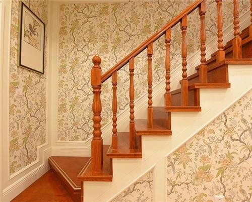 title='铁艺楼梯装修效果怎么样,常见的楼梯材质有哪些'